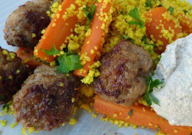 Lammköttbullar med couscous och baba ganoush