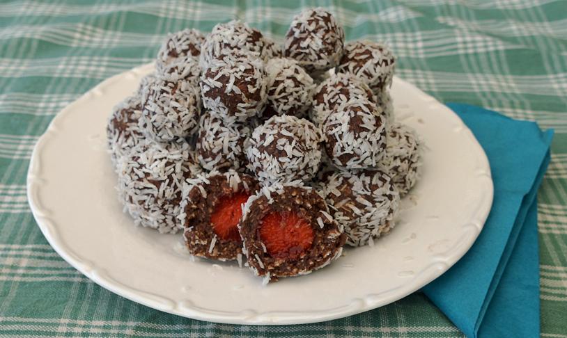 Chokladbollar Med Jordgubbar Ugnstrull